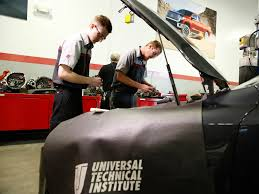 100 Universal Truck Driving School Automotive Diesel Technical Lisle IL UTI