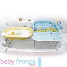 planche a langer murale quelle table à langer pour salle de bain riquiqui