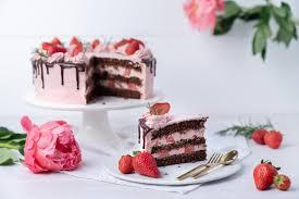 erdbeer schoko torte aka drip cake