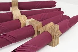 rustikale serviettenringe serviettenringe aus holz