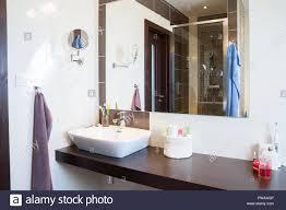 moderne badezimmer design stockfotografie alamy
