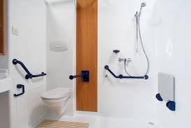 siege baignoire pour handicapé siege de baignoire pour personne age enfin de du design
