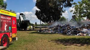 Bathurst Firefighters On Scene Of Garbage Truck Fire | Western Advocate