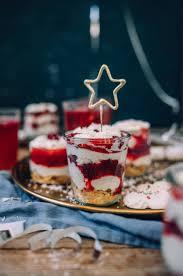 himbeer mascarpone dessert mit plätzchenresten ein last minute nachtisch im glas und der passende
