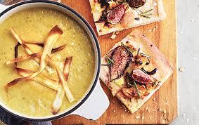cuisiner les l umes de saison crème de panais aux poireaux et aux pommes châtelaine