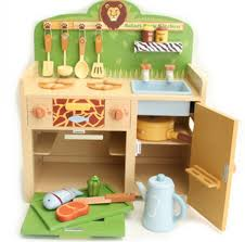 Play Kitchen Sets Walmart by Tips Get Creative Your Child With Wooden Kitchen Playsets
