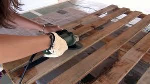 fabrication canapé palette bois comment fabriquer un canapé en palettes de bois très simplement