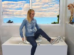 siege de bain pivotant l é pole autonomie santé lattes aides techniques testées à l é