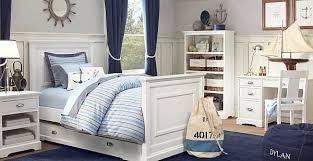 maritimes schlafzimmer mit blauen gardinen freshouse