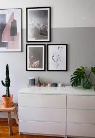 schlafzimmer gallerywall abstrakte kunst foto