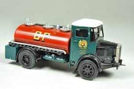 100 Model Truck Kits Dennis Tanker HobbyDB