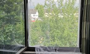 fliegengitter mit klemmrahmen fürs schlafzimmerfenster