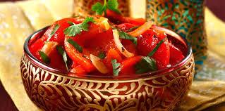 cuisiner les poivrons rouges salade de poivrons rouges facile et pas cher recette sur