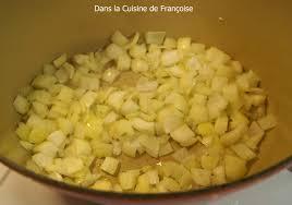 faire revenir en cuisine sauté de porc aux carottes et sa sauce moutarde dans la cuisine