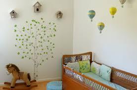 quand mettre bébé dans sa chambre déco chambre bébé la chambre nature et poétique de noah
