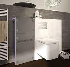 moderne badezimmer punkten mit hängenden wand wcs