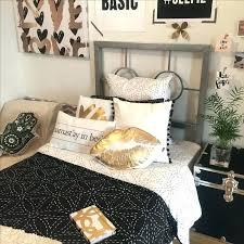 schwarz gold wohnzimmer dekoration ideen