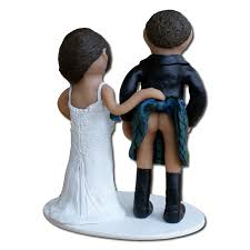 Funny Wedding Cake Toppers that Will Add Different Touch