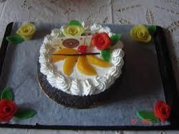 dessert avec creme fouettee décoration gâteau avec la creme chantilly