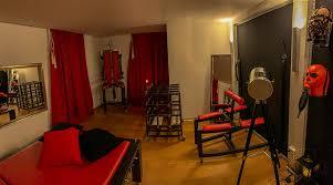 ambiente und einrichtung des bizarrstudios hades studio hades