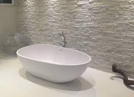 privates badezimmer mit großformat fliesen fliesen mit format