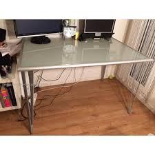 bureau ikea plateau verre bureau moderne plateau verre opaque ikea