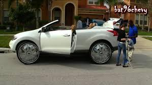Female's Nissan Murano Convertible On 30