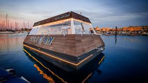 There Is Now A Floating Food 'truck' In Dubai - The National