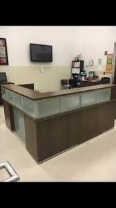 Two tone office desk officedesign