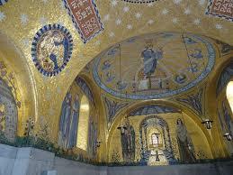 plafond d une chapelle du couvent du mont sainte odile photo de