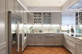 englische landhausküche in grau haus küchen landhausküche