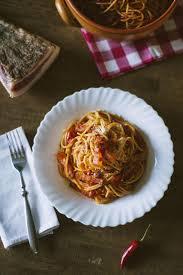 pates a l amatriciana spaghetti all amatriciana ricette peronaci