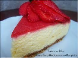 gâteau au fromage blanc et fraise sur lit de spéculoos