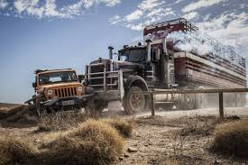 Wolf Creek Car Truck Crash Kangaroo 电影Wolf Creek 2 照片从Humphrey7 ...