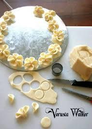 fleurs en pâte d amande cuisine decoration cake
