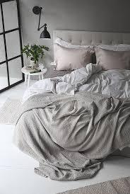 DIY Svarta Stallfnster Trendenser Taupe BeddingTaupe BedroomGrey ComforterNeutral Bedroom DecorMessy