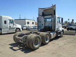 2014 VOLVO VNL64T TANDEM AXLE DAYCAB FOR SALE #10213
