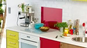 changer carrelage cuisine relooker une cuisine matériaux pas chers peinture carrelage
