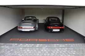 fugenlos de exklusive steinteppiche garage mit porsche