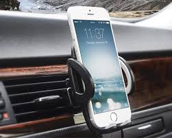 5 Best Car Mounts For iPhone X To Tuck Your Smartphone In