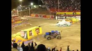 Backflip En Monster Truck. - YouTube Backflip En Monster Truck Youtube Lands First Ever Front Flip Proves Anything Is Possible Jam Sicom Monsterjam2014 Stlouis Freestyle Meents Truck Lands First Ever Frontflip Hd Watch Or Download Downvidsnet Northern Nightmare Crazy Back World Finals Xvii Famous Grave Digger Crashes After Failed An Iron Man Among Monster Trucks Njcom Just Pulled Off A Mind Blowingly Long Record Breaking Best Backflips Backflip