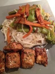 cuisiner avec un wok avec un wok de légumes croquant et vermicelles de riz recettes