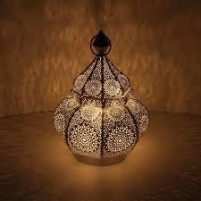 casa moro laterne orientalische laterne aus metall alima in shabby chic weiss gold 30cm marokkanisches windlicht gartenlaterne hängend oder