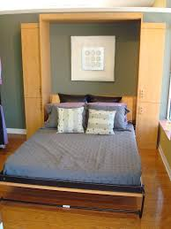 Murphy Beds Tampa by Cool Murphy Bed Examples For Decorating Small Sized Bedrooms U2013 Vizmini