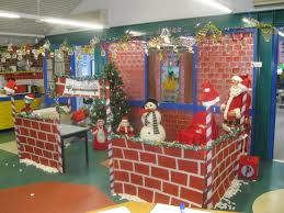 Office Christmas Decorating Ideas For Work by 25 Unique Santas Workshop Ideas On Pinterest North Pole