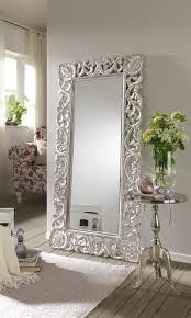 spieglein spiegleich an der wand der opulente spiegel