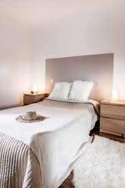 decoration peinture chambre chambre decoration taupe et blanc beige bois diy tete de lit