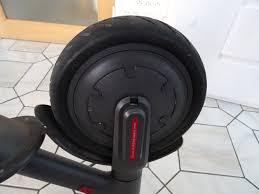 chambre a air trottinette réparation du pneu avant moteur de la trottinette xiaomi m365