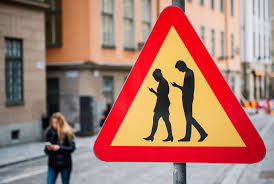 Texting While Walking Is Sending People to the Emergency Room