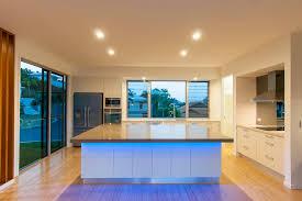 eclairage plan de travail cuisine fantaisie cuisine thèmes avec supplémentaire eclairage led plan de